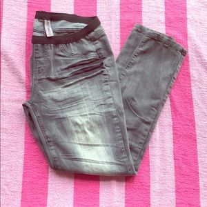 Almost Famous Gray jeggings-size large
